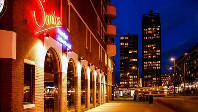 Ingang - Santos, Den Haag