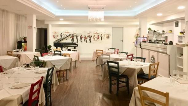 Bistrot Viale Ceccarini Restaurant Vista sala