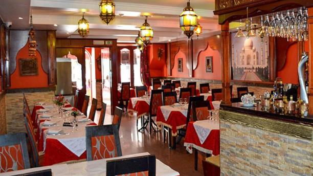 Taj Mahal Restaurante Indiano e Italiano Sala