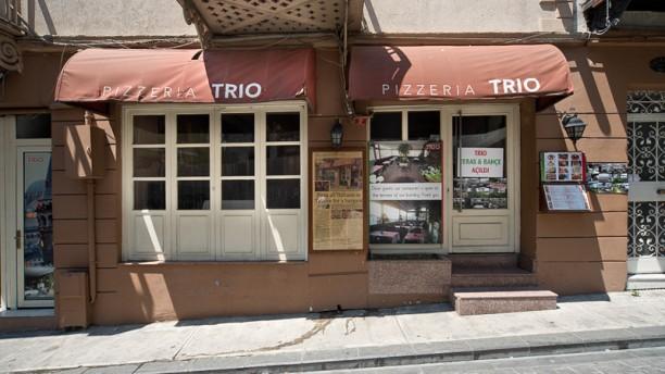 Pizzeria Trio Facade