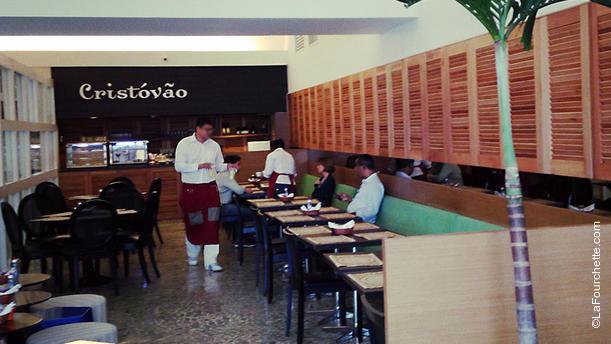 Cristóvão Café e Bistro RW. Ambiente