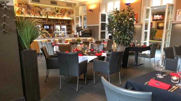 Gooije Raod Restaurant