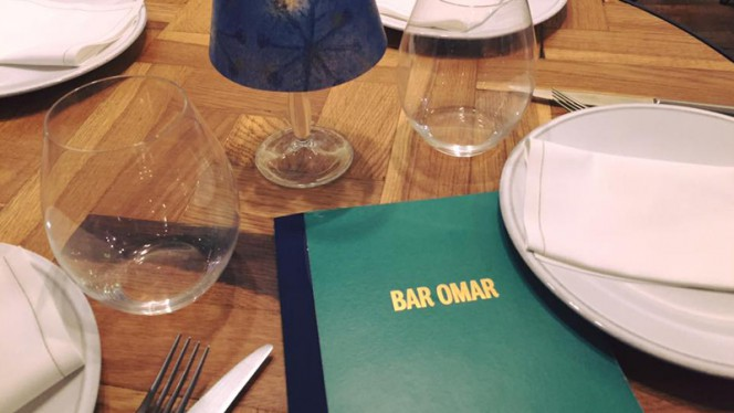 Detalle mesa - Bar Omar, Barcelona