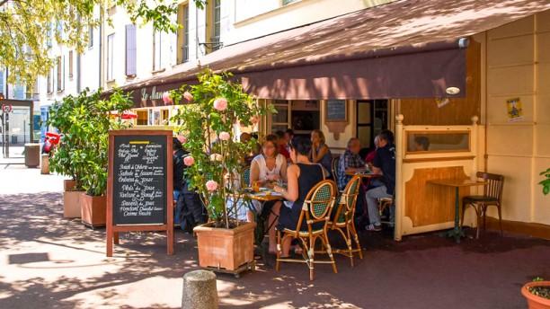 Restaurant le man ge saint germain en laye 78100 for Adresse piscine saint germain en laye