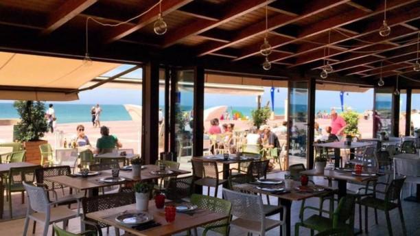 Restaurante Atenas Paseo En Chiclana De La Frontera