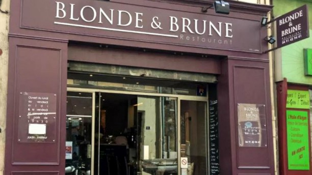 Blonde et Brune Devanture