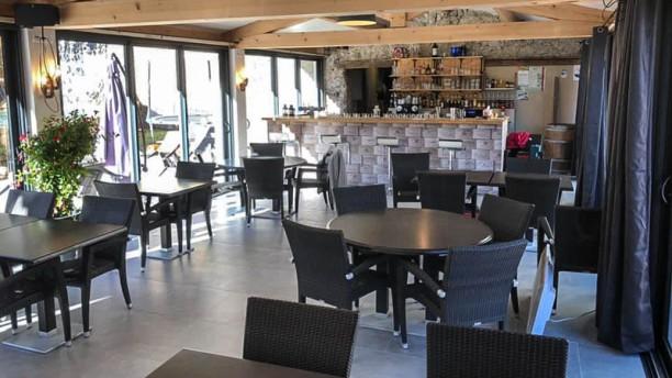 Les Terrasses de la Salaou Salle du restaurant