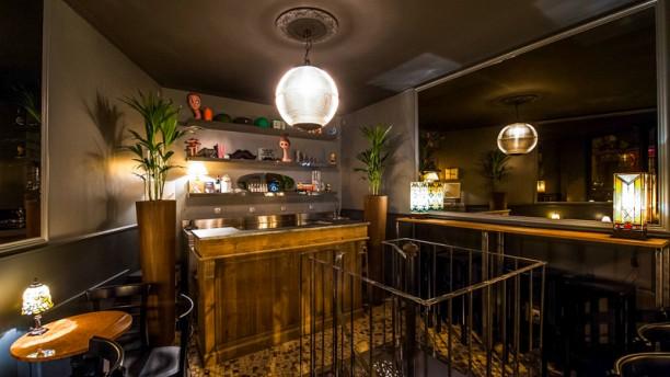 Sparks wine bar Salle