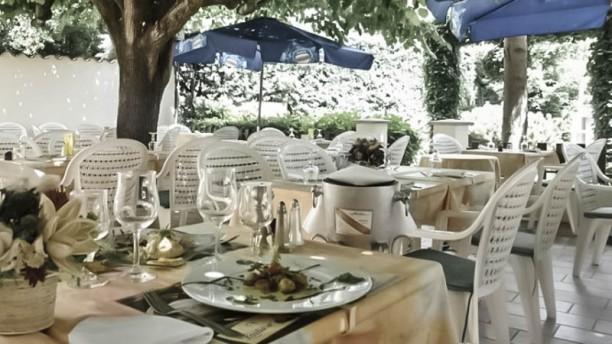 La Bonne Tabl'Hay terrasse