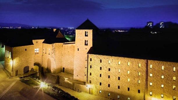 La Tour d'Auvergne Hôtel Le Château Fort de Sedan