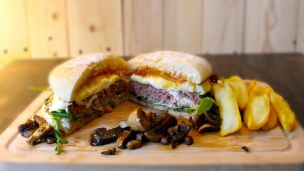 """La Vache Au Comptoir """"Le Bistro à Burger"""" Plat"""