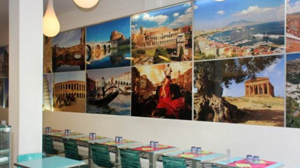 Le Iene Originale Italiano salle
