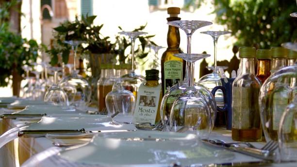 Ravagni Since1421 Particolare tavolo