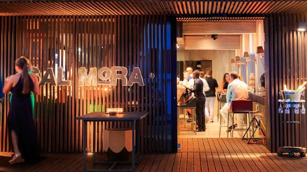 Salmora - Live Kitchen & Bar Fachada