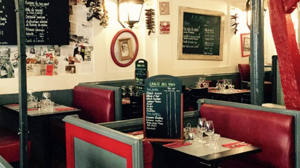 la brocante in paris restaurant reviews menu and prices. Black Bedroom Furniture Sets. Home Design Ideas