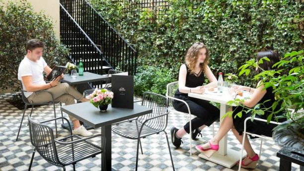 Café Harcourt By Dalloyau Terrasse