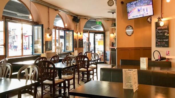 Roy's Pub Restaurant Vue de la salle