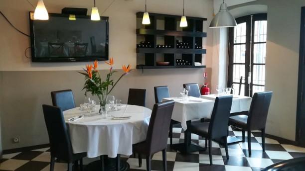 Le Grimaldi Salle du restaurant