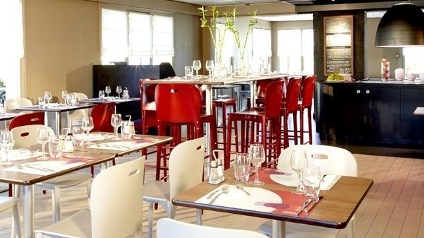 Campanile Aurillac Salle du restaurant