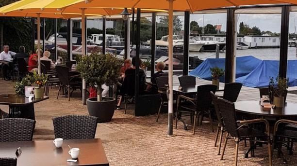 Brasserie Café Oevers Terras