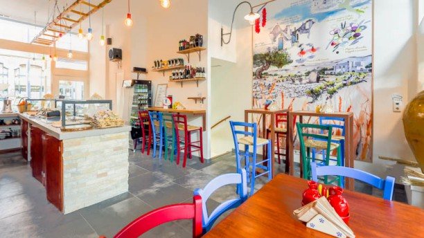 Panzero' Apulian StrEat Food Sittings and artist paint