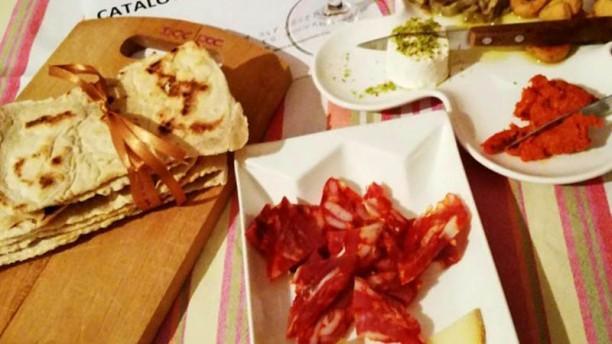 Osteria D.O.C. Pareres Tagliata mista di salumi e formaggi abruzzesi