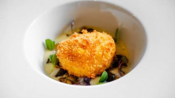 Le Officine Uovo croccante con cremoso di patate al tartufo