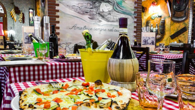 Lo stile - La Taverna  bisteccheria pizzeria, Roma