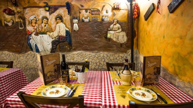 Vista sala - La Taverna  bisteccheria pizzeria, Rome