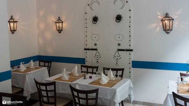 Sidi bou said restaurant 22 rue du vieux march aux for Sidi bou said restaurant