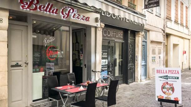 Bella Pizza Devanture