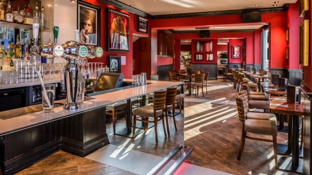 hard rock cafe amsterdam in amsterdam menu openingstijden prijzen adres van restaurant. Black Bedroom Furniture Sets. Home Design Ideas