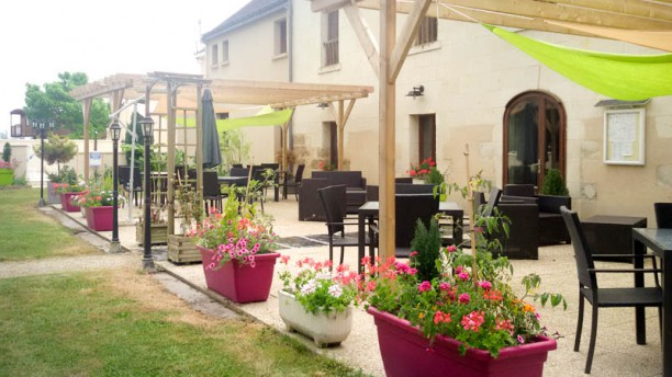 Le Domaine de Presle la terrasse d'été