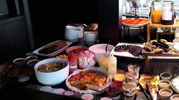 Campanile de Marmande Buffet Desserts