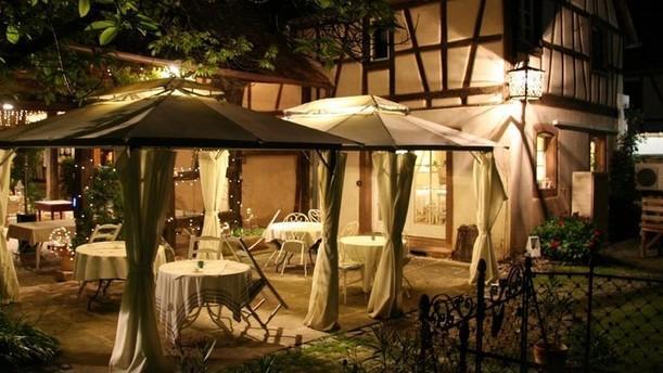 La Cour De Lise Restaurant