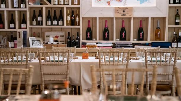 Bistro Bacchantes (Table D'hote) 1