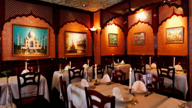 Indian maharaja dining hall
