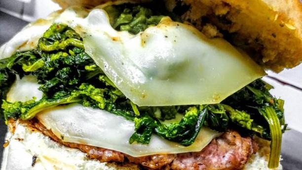 La Buat Broccoli e Burger di Maiale