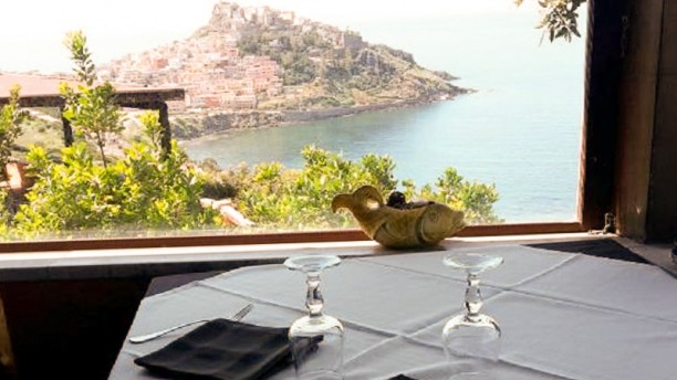 Roccaja Tavola con vista panoramica