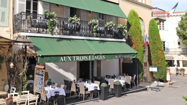Aux Trois Etages Restaurant