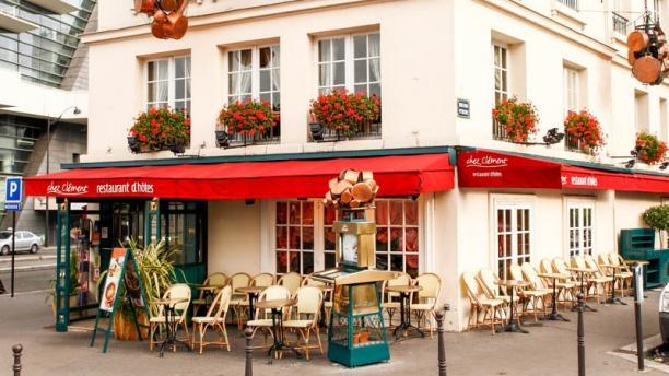 Chez Clément Porte Maillot la façade