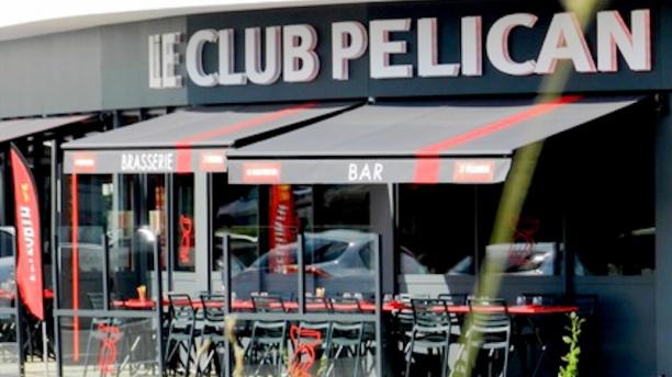 Le Club Pélican - Isneauville Entrée et terrasse