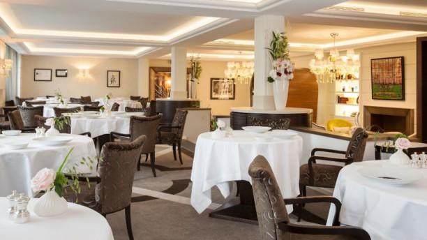 Le Chat Botté - Hôtel Beau-Rivage Salle du restaurant