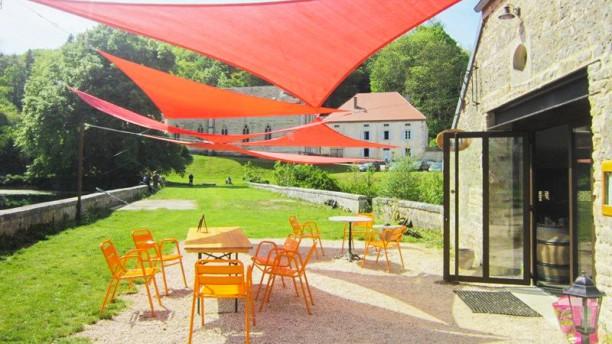 La Taverne des Trois Fontaines Terrasse