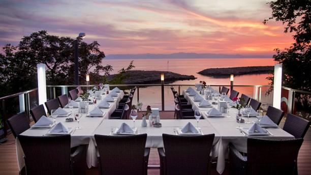 Restaurante liman lounge club en antalya opiniones men for The terrace lounge menu