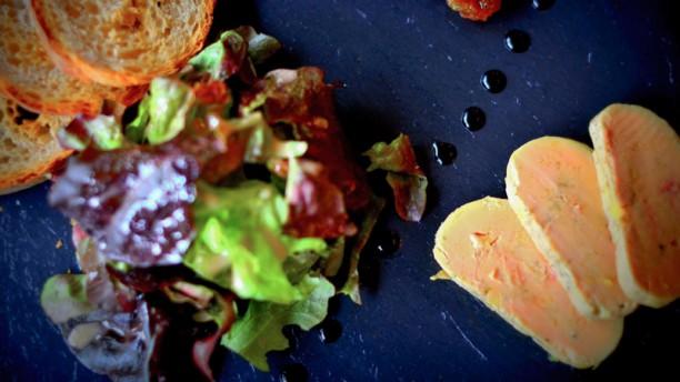 Au Coq en Pâte Foie gras aux 5 poivres et tariquet