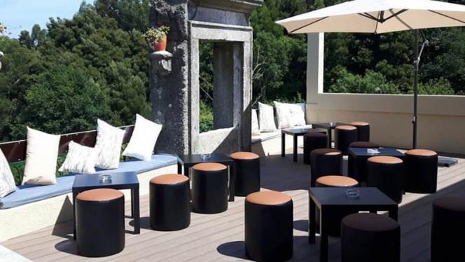 Oaks Bar ristorante continentale a Pedroso in Portogallo