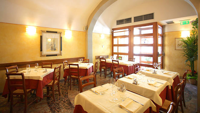 La sala - Giglio Rosso, Firenze