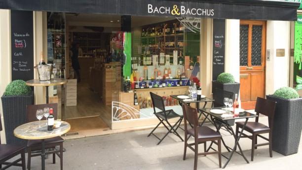 Bach & Bacchus devanture