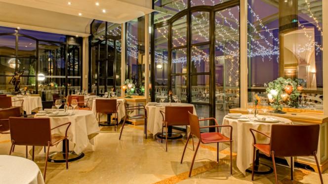 Salle du restaurant - Les Terrasses de Lyon, Lyon